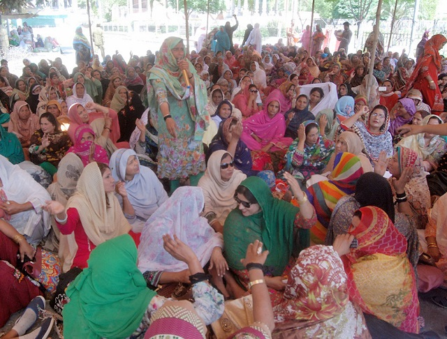 dialogue with lady health workers inconclusive on third day of protest