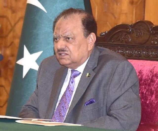 president mamnoon urges institutions to work within constitutional limits