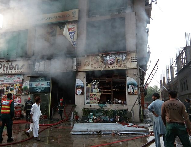 five killed in lahore bakery fire