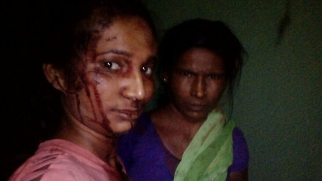 indian woman fights off tiger with stick