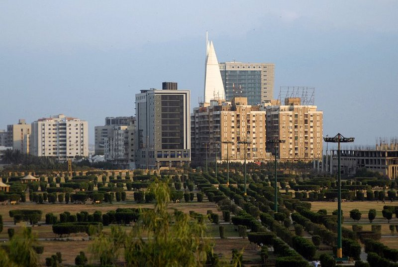 karachi s parks to be cleared of illegal constructions