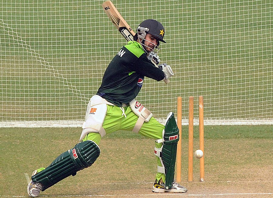 APPRECIABLE RECORD: Fawad, 32, is currently Pakistan's best domestic batsman with an average of 55.37 in first-class cricket and has piled up 10,742 runs in just 145 outings. PHOTO: AFP