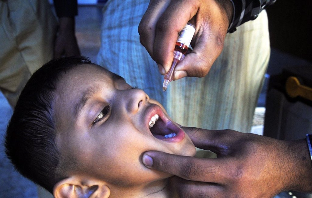 Social media: A hurdle for polio campaigns in rural areas  PHOTO: ONLINE/FILE