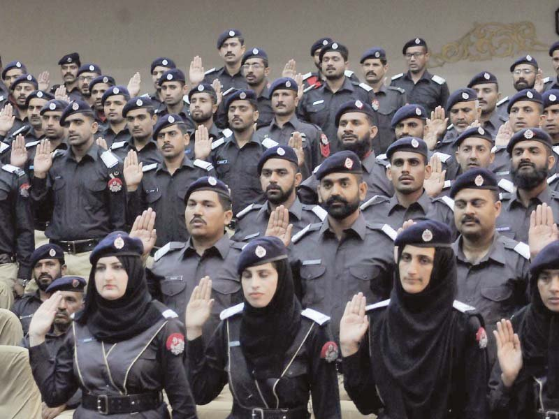 671 fresh cops take oath