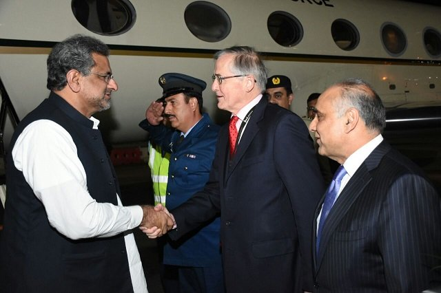 Prime Minister Shahid Khaqan Abbasi being received by Special Representative of the British Foreign Minister Mr. David Pearey and Pakistan High Commissioner to the UK Syed Ibne Abbas upon arrival in London on April 17, 2018. PHOTO: PR
