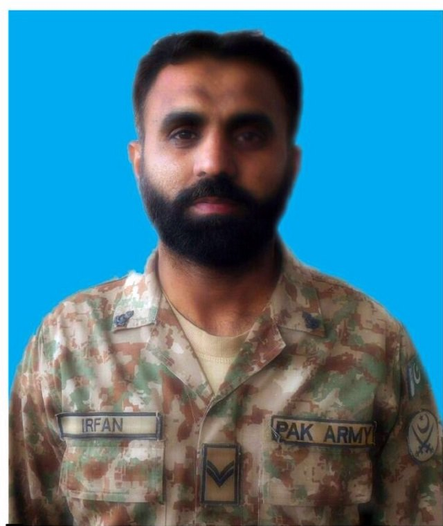 army soldier martyred defusing bomb in north waziristan agency