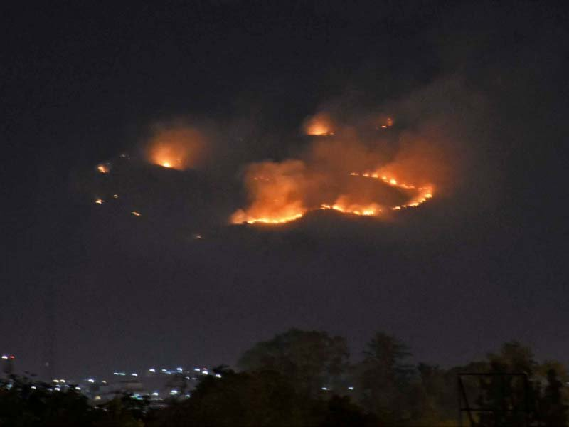 one of the fires that erupted in the margalla hills photo online