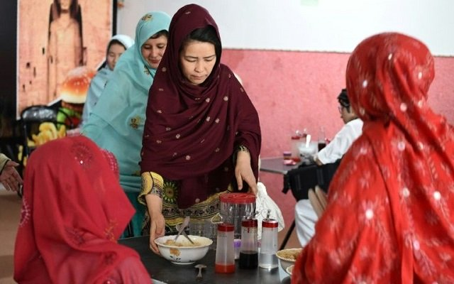 hameeda-ali-hazara-c-who-is-from-pakistan-039-s-shia-ethnic-minority-hazara-community-runs-the-quot-hazara-quot-restaurant----a-project-that-aims-to-help-to-help-families-and-female-victims-of-sectarian-attacks-photo-afp