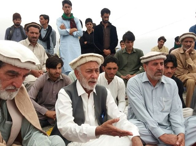 jirga demands reopening of pak afghan border near borki to allow trade