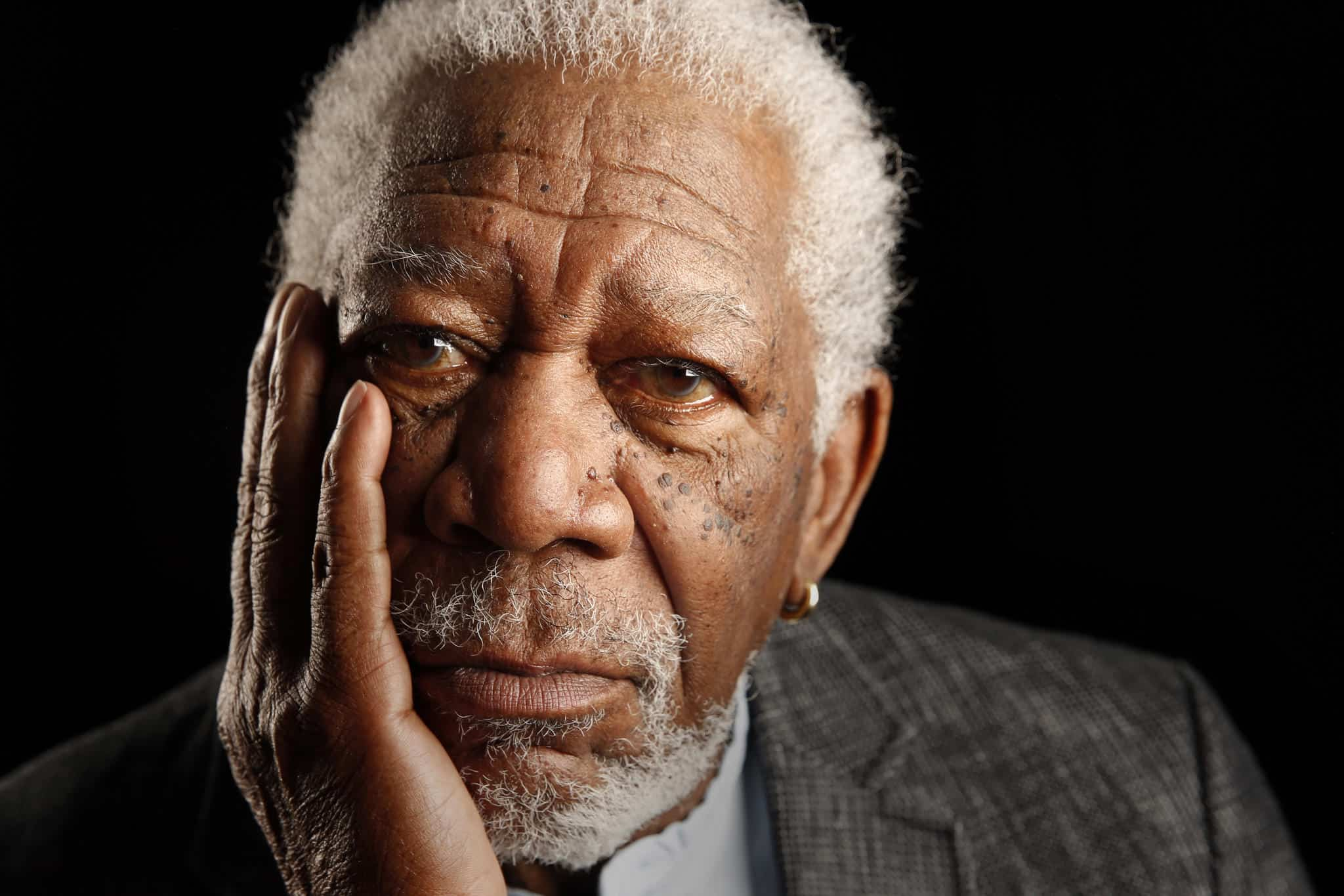 morgan freeman apologises after sexual harassment accusations
