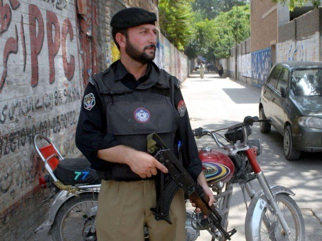 policeman killed another injured in di khan target attack