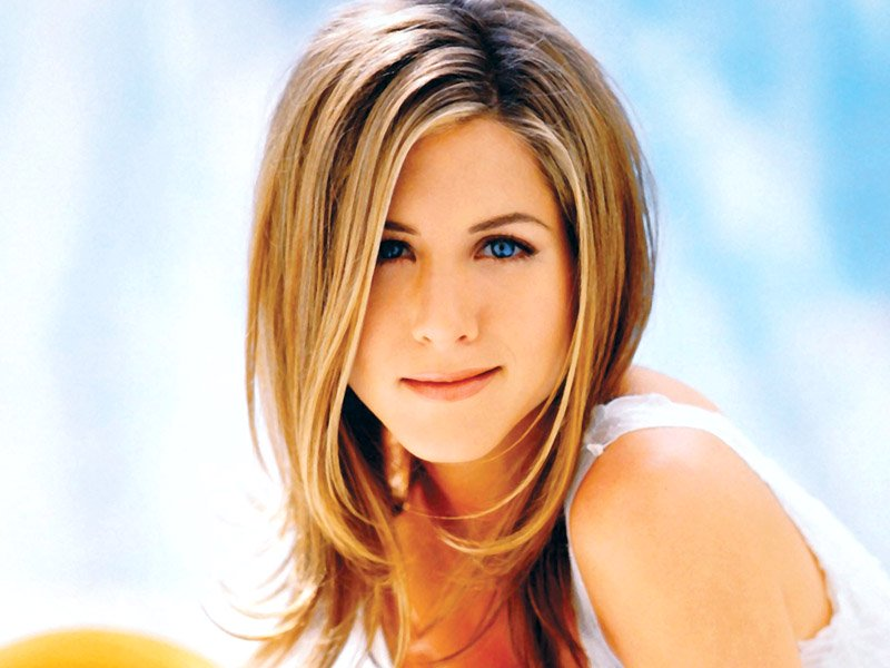 jennifer aniston s transformation over the years