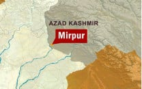 eight killed as wagon plunges into gorge