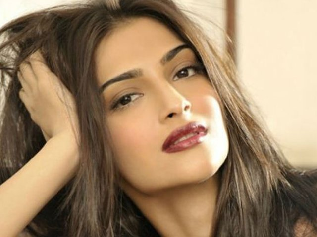 my defence of swara bhaskar has nothing to do with her comments on pakistan sonam kapoor
