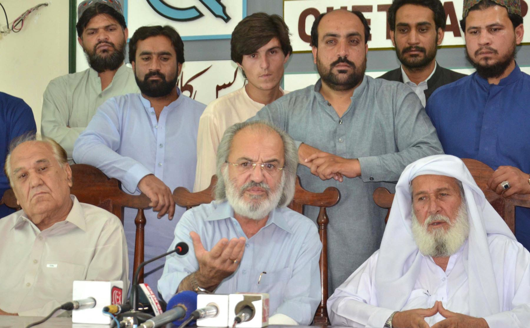 pti s internal strife over award of tickets forcing leaders to quit