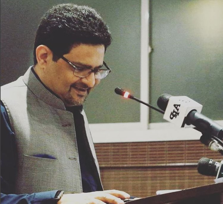 nab summons miftah ismail for allegedly awarding illegal contracts