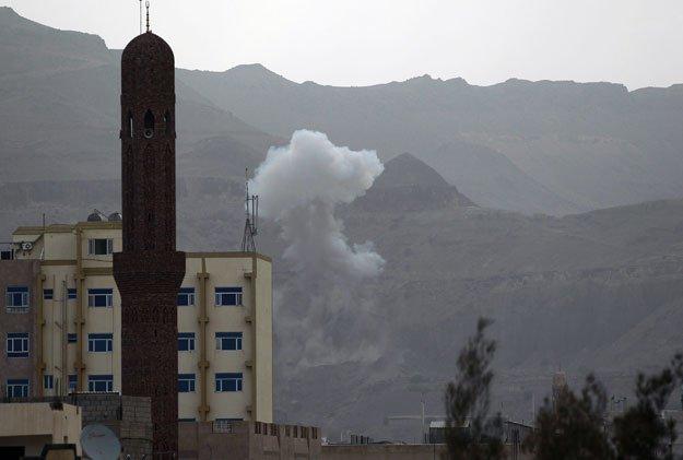 uae envoy defends targeting of yemen s hodeida port
