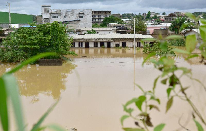 floods kill 18 in ivory coast