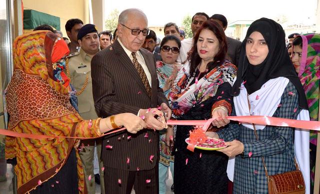 balochistan governor muhammad khan achakzai inaugurates the education department at the sardar bahadur khan women university in quetta photo express