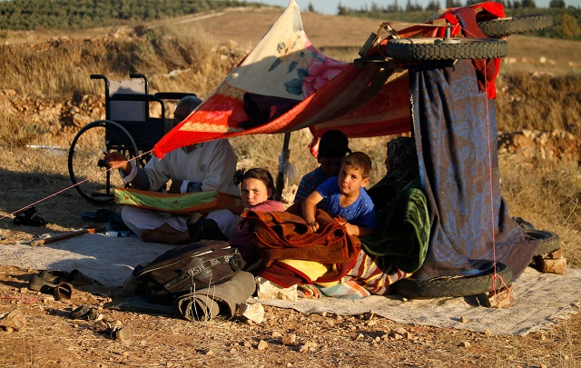 over 270 000 displaced by southern syria fighting un