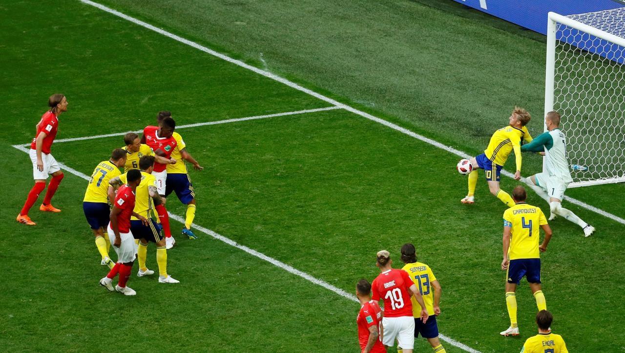 scrappy swedes edge swiss 1 0 to reach quarter finals