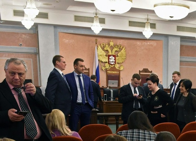russia pursues jehovah s witnesses as extremists