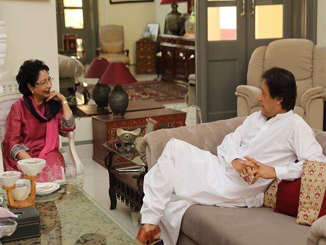 imran khan meets islamabad 039 s permanent representative to the united nations maleeha lodhi at bani gala on sunday photo twitter pti