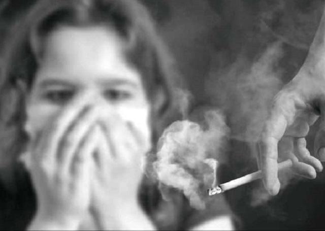 passive smoking causing thousands of stillbirths in pakistan