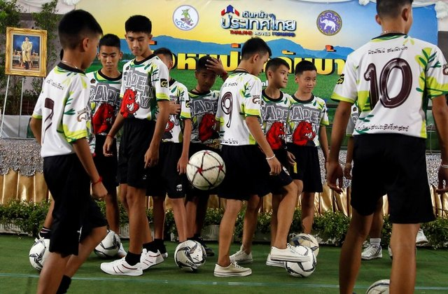stateless thai cave boys and coach granted citizenship