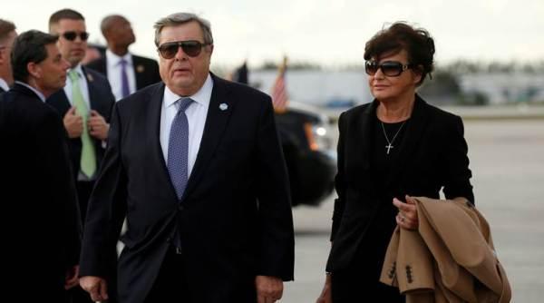 melania trump s slovenian parents get us citizenship