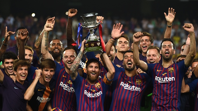 barcelona fight back to lift first silverware of season