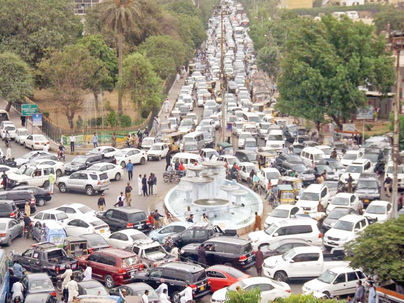 Traffic was blocked Monday morning at Fawara Chowrangi and its surroundings due to the inaugural session of the Sindh Assembly. PHOTO: ONLINE