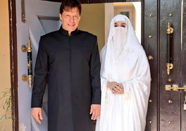 Prime Minister Imran Khan with his wife Bushra Bibi before being sworn in. PHOTO COURTESY: TWITTER