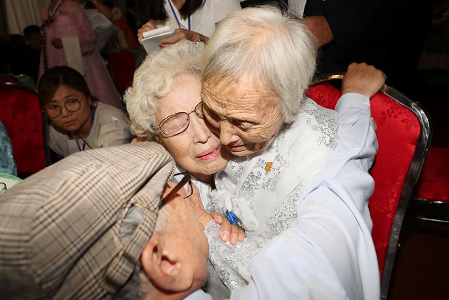 tears joy as korean families separated by war reunite briefly after 65 years