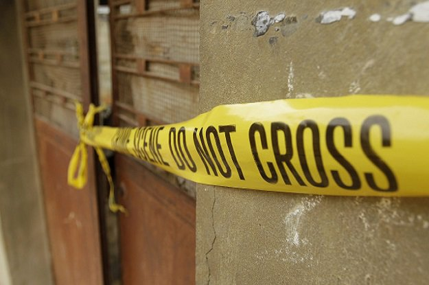 karachi youth killed in crossfire between police drug peddlers