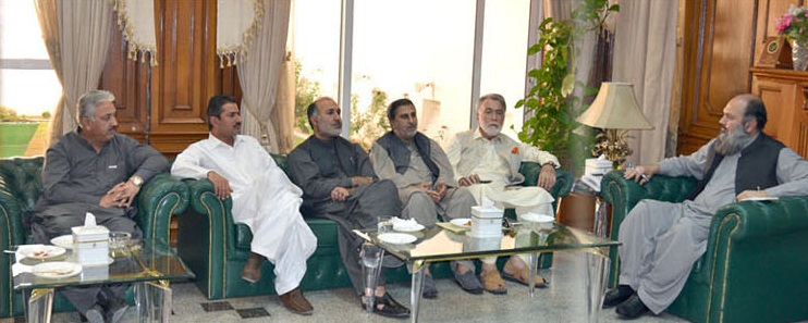 Balochistan Chief Minister Jam Kamal Khan in a meeting with members of the opposition parties at the CM House in Quetta. PHOTO: EXPRESS