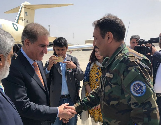 foreign minister shah mehmood qureshi received by afghan military officials in kabul on september 15 2018 photo twitter ptiofficial