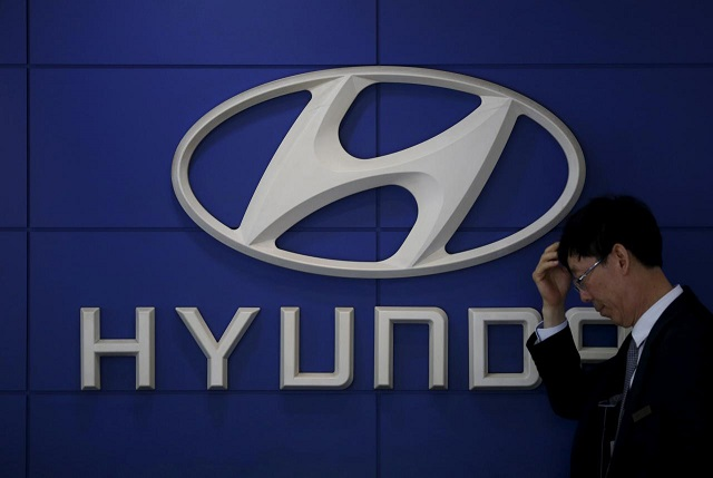 hyundai signs deal to sell 1 000 hydrogen powered trucks
