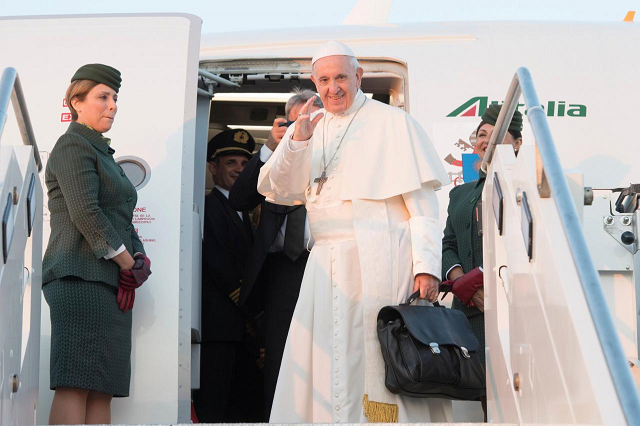 pope arrives in lithuania to start solidarity tour of baltic states