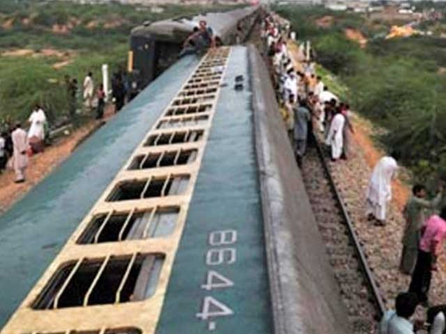 at least two injured as train derails near sehwan