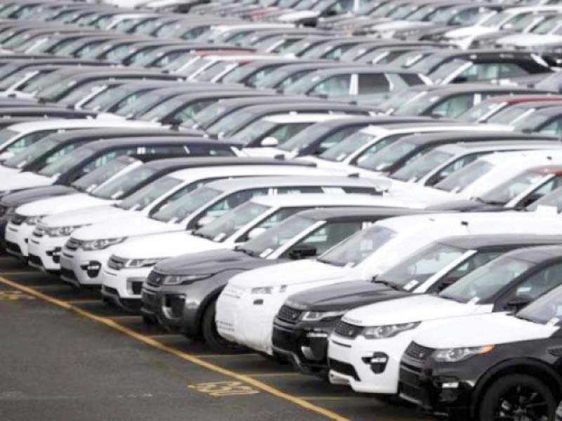 From the trend of car bookings, it has been ascertained that annual auto sales will drop from 240,000 to 168,000 units. PHOTO: FILE