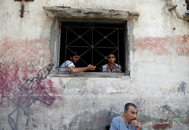 israel says palestinian refugees number in the thousands not millions