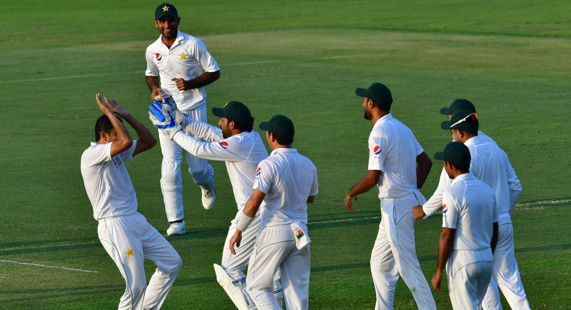 pakistan in pole position to win abu dhabi test