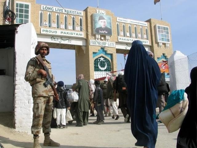 pak afghan border closed for two days