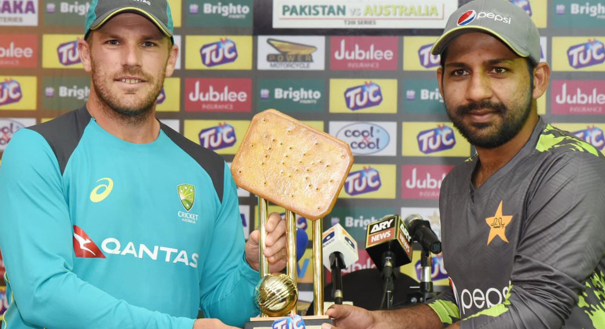 twitter reacts after unveiling of bizarre pakistan australia t20is trophy