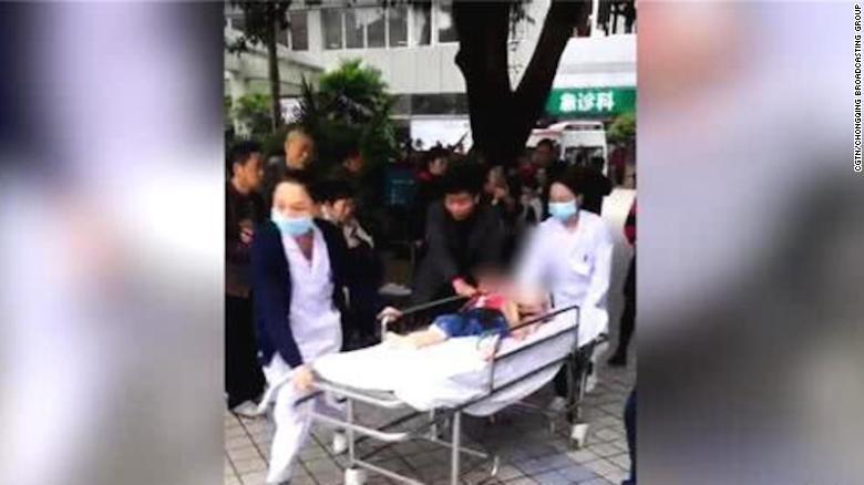 knife wielding woman injures 14 children in china kindergarten attack