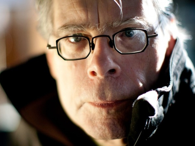 stephen king sells film rights to students for 1