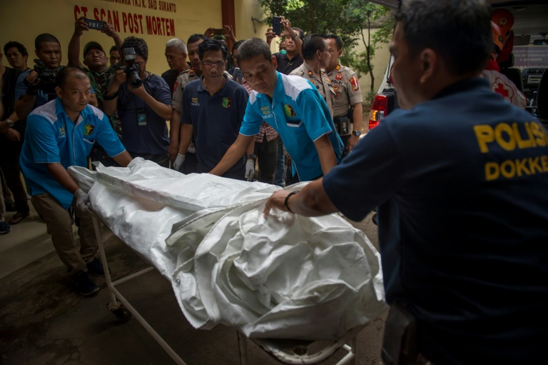 indonesia sifts through plane debris orders jet inspection