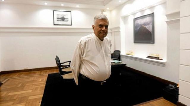 sri lanka speaker says won t accept rajapaksa as pm until he proves a majority
