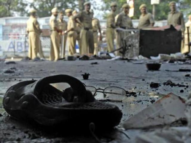maoist rebels kill five in india bus blast